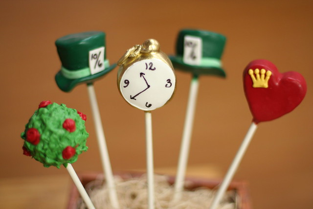 Alice in Wonderland Cake Ideas Alice in Wonderland Cake Pops