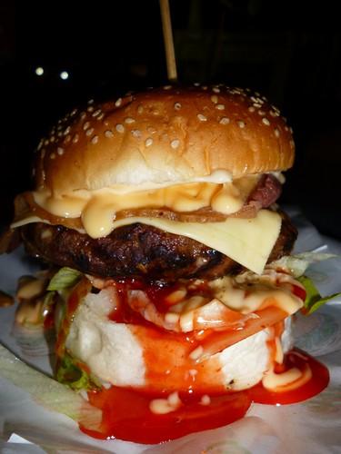 kaw kaw burger