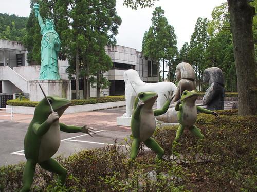 karaage. [からあげ]  三重のB級スポット ルーブル彫刻美術館に行ってきました