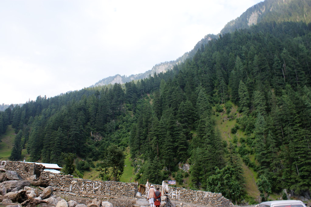 """MJC Summer 2012 Excursion to Neelum Valley with the great """"LIBRA"""" and Co - 7588304376 ac144aa0ce b"""