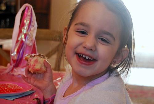 Funfetti Cupcakes - enjoyment-001