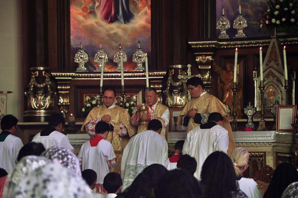 CATHOLICVS-Santa-Misa-Quezon-Holy-Mass-4