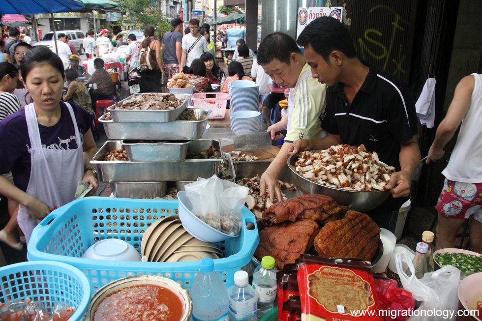 Delicious street food is always available in Yaowarat
