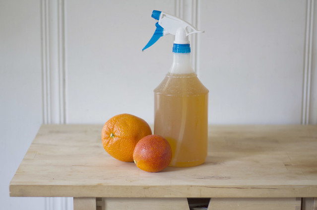 orange-vinegar cleaning spray