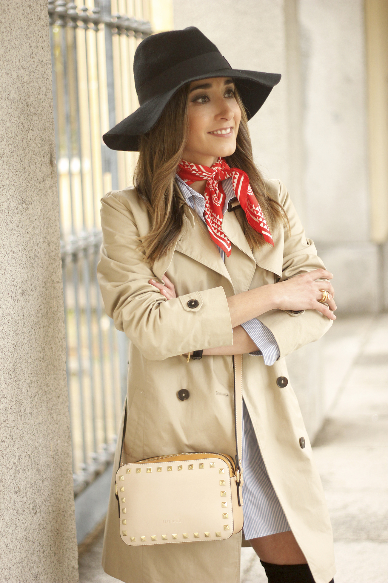 trench dress shirt over the knee boots red bandana hat pepe moll bag05