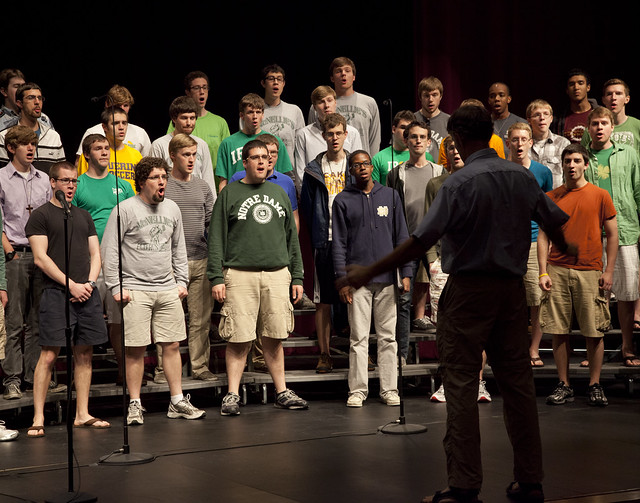 The Notre Dame Glee Club - A-Caroling
