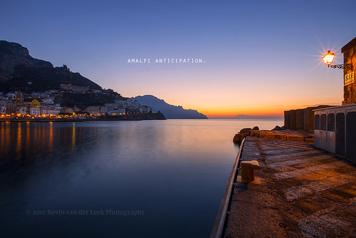 italy lamp sunrise dawn march amalficoast wideangle predawn amalfi tyrrheniansea canonef1635mmf28liiusm kvdl