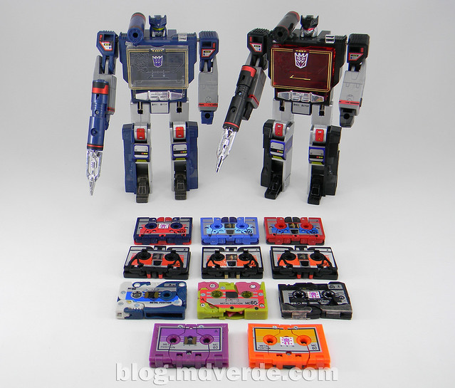 Transformers Soundblaster - G1 Encore - modo robot vs Soundwave vs Decepticon Cassettes