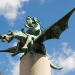 A fada e o dragón