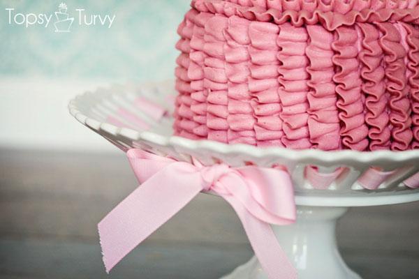 vertical-ruffle-smash-cake