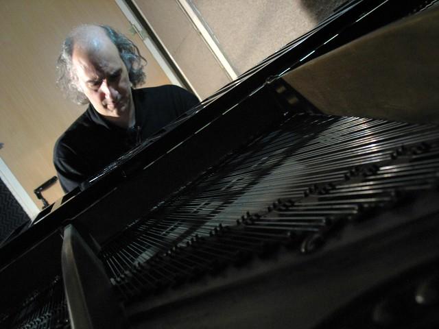 Pedro Menendez - Piano