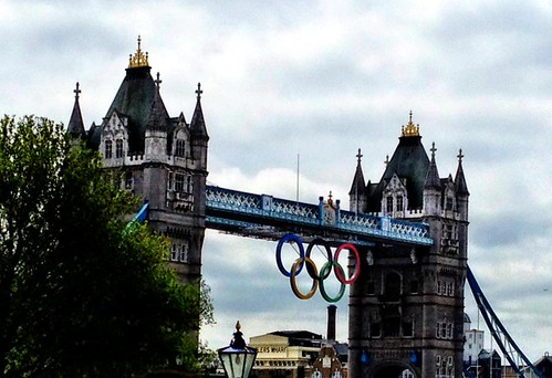 olympic-rings-tower-bridge-down