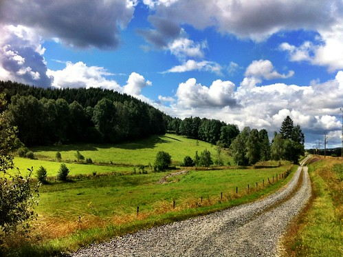 summer colors clouds landscape sweden country landskap countryroads iphone4 100commentgroup peternyhlén mygearandme
