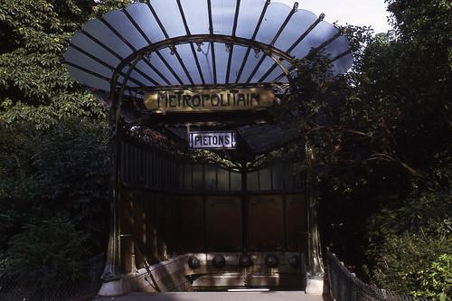 JHM-1969-0816 - France, Paris, entrée Guimard, métro Porte Dauphine