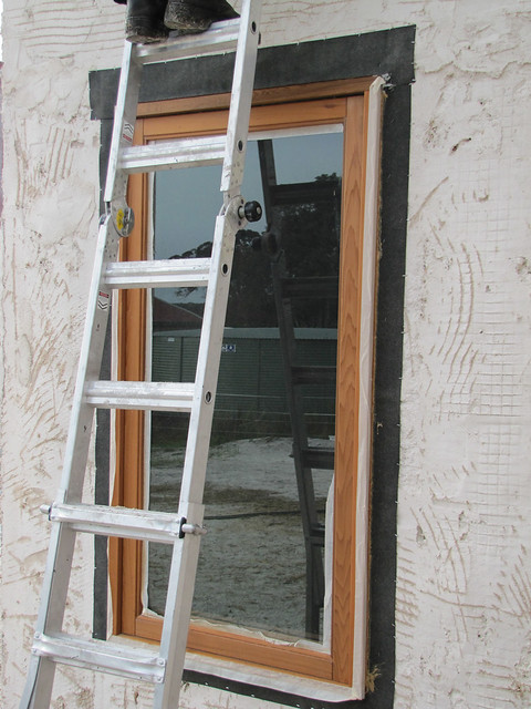 Flashing around windows strawbale house build in redmond for Window z flashing