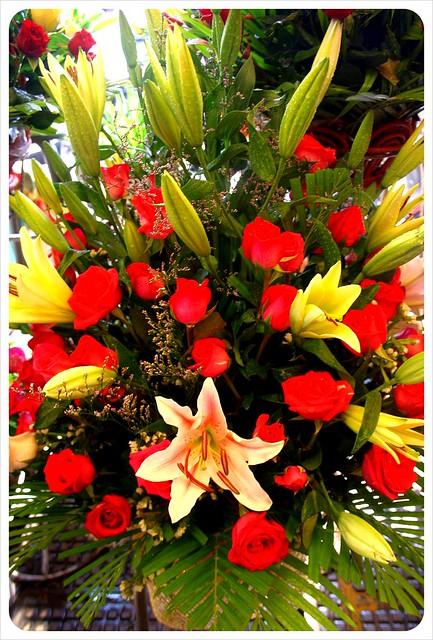 phnom penh central market flower bouquet