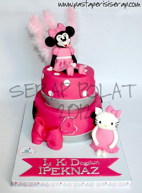 minnie mouse- hello kitty pastası