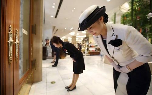 Atendimento ao cliente no Japão - respeito e cordialidade.