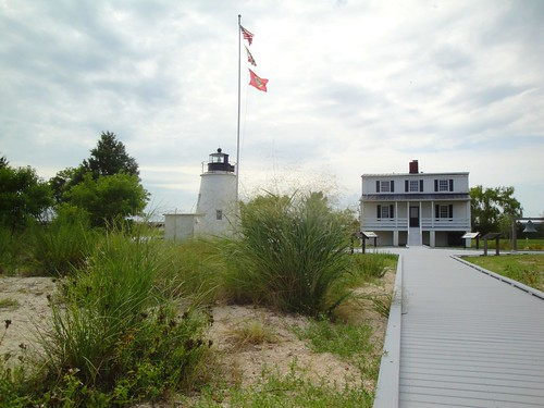 Piney Point Lighthouse and Keeper's Quarters, Piney Point