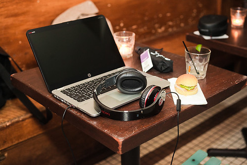 HP ENVY Spectre with Beats Audio headphones