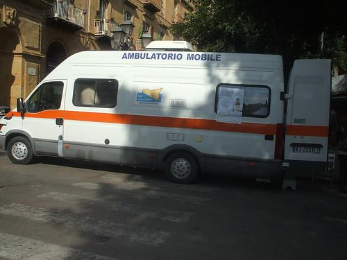 Un ambulatorio mobile per la Giornata mondiale del diabete @ Porta di ponte di Agrigento by Calogero Mira