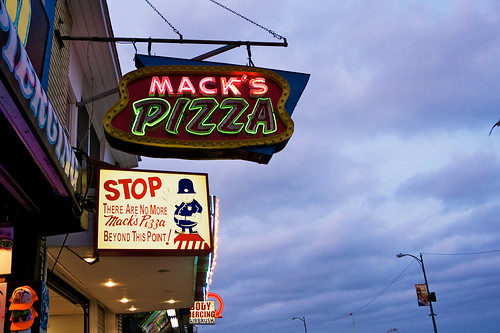 Mack's Pizza.