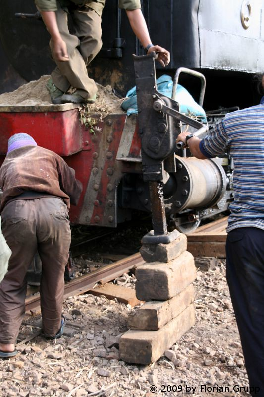 http://farm8.staticflickr.com/7135/7434474592_0b6a5291a0_b.jpg
