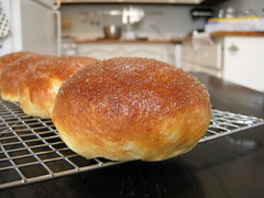 gluten-free brioche buns: chillin'