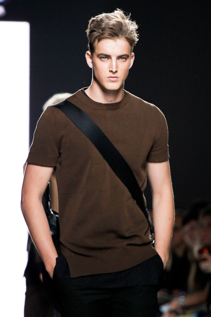 James Smith3658_SS13 Milan Bottega Veneta(VOGUE)