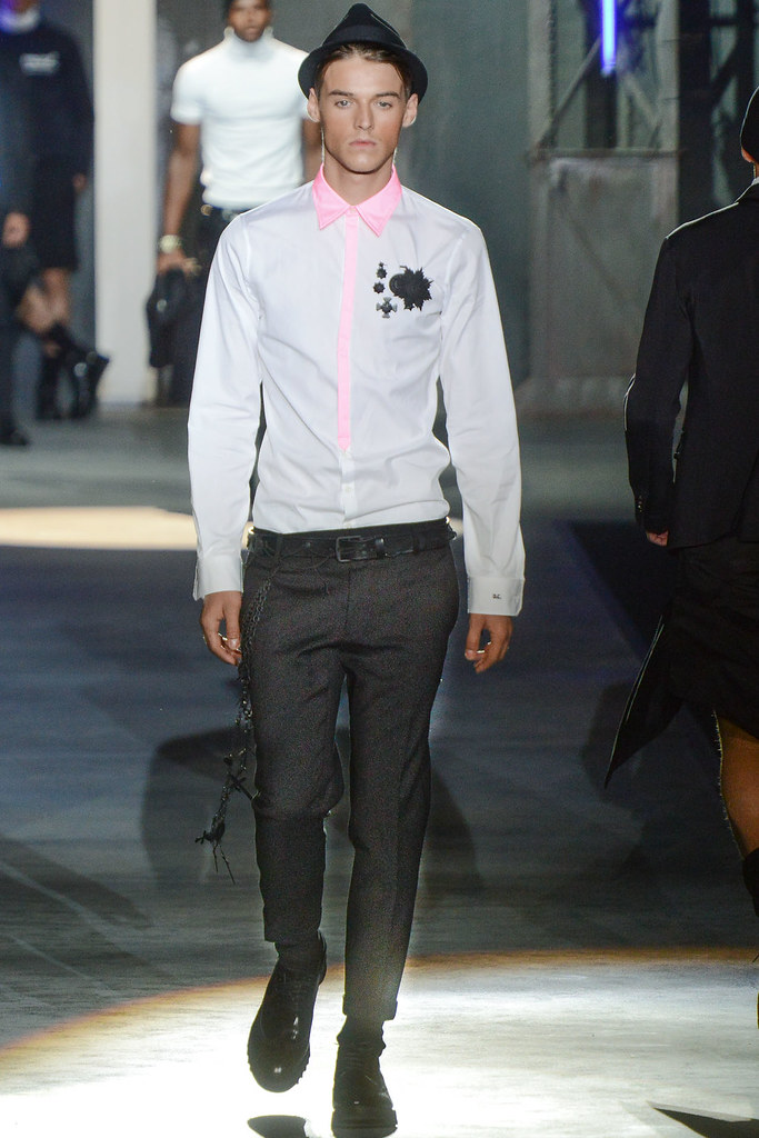 Robbie Wadge3622_SS13 Milan DSquared2(VOGUE)