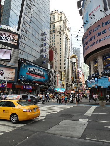 Times Square, Manhattan, New York 2012, USA - www.meEncantaViajar.com by javierdoren