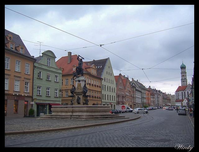 Que ver en Augsburgo en un día - Maximilianstrasse y fuente de Hércules