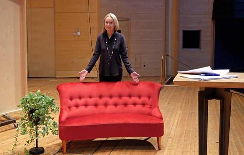 Välkommen säger Karin Veres