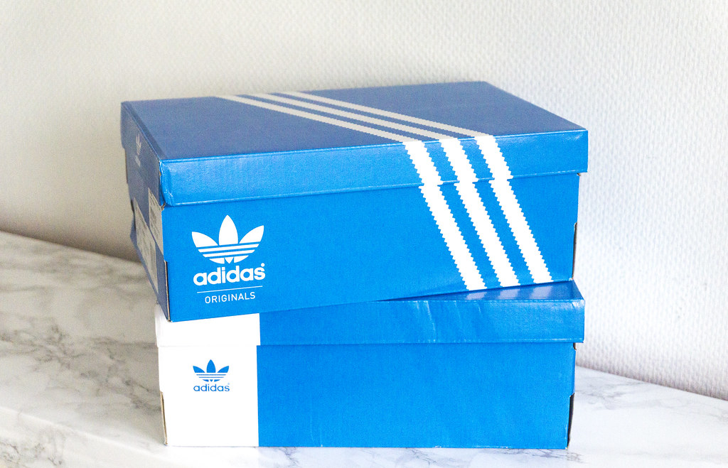 AdidasSneakers2