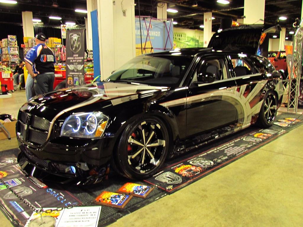 2012 Dodge Magnum   2012 Dodge