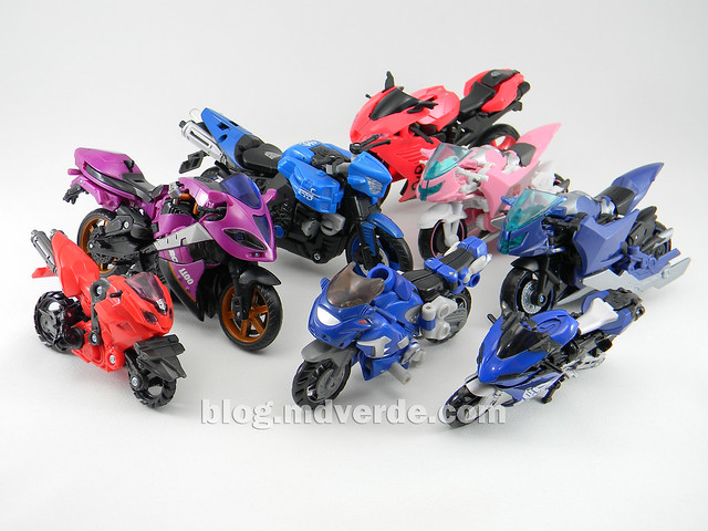 Transformers Arcee Deluxe - Prime First Edition - modo alterno vs Arcees y Chromias