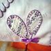 capa de travesseiro em patchwork bordada a mão