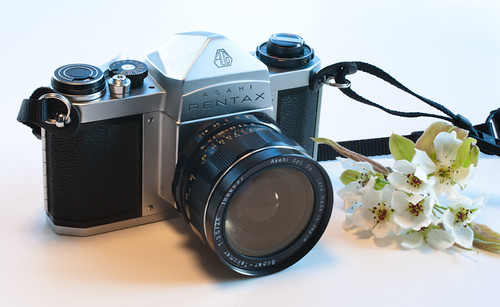 Pentax SV with Super-Takumar 28/3.5 (early version)