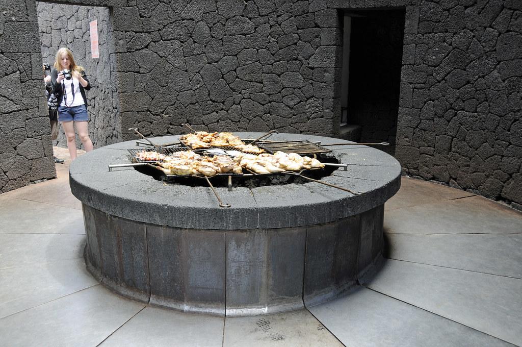Cocina volcánica en Timanfaya. Foto: Son of Groucho