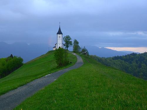 church rain landscape rainbow twilight slovenia slovenija jamnik mrak kropa gorenjska cerkev pokrajina pomlad oblačno mavrica svprimoz silvyp