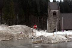 Schnee im Ort Spitzingsee - März 2012