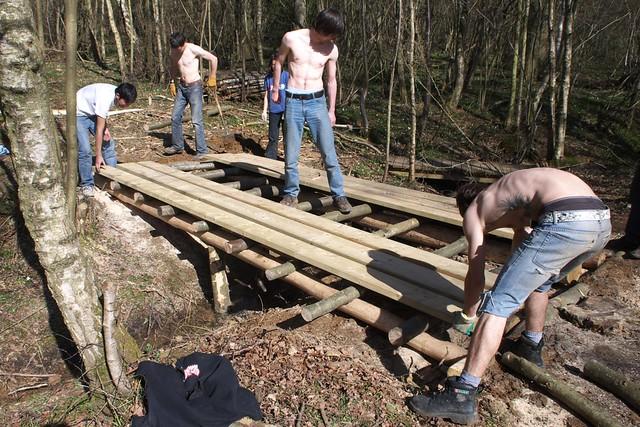 dsc 3744 building a log bridge flickr photo sharing. Black Bedroom Furniture Sets. Home Design Ideas