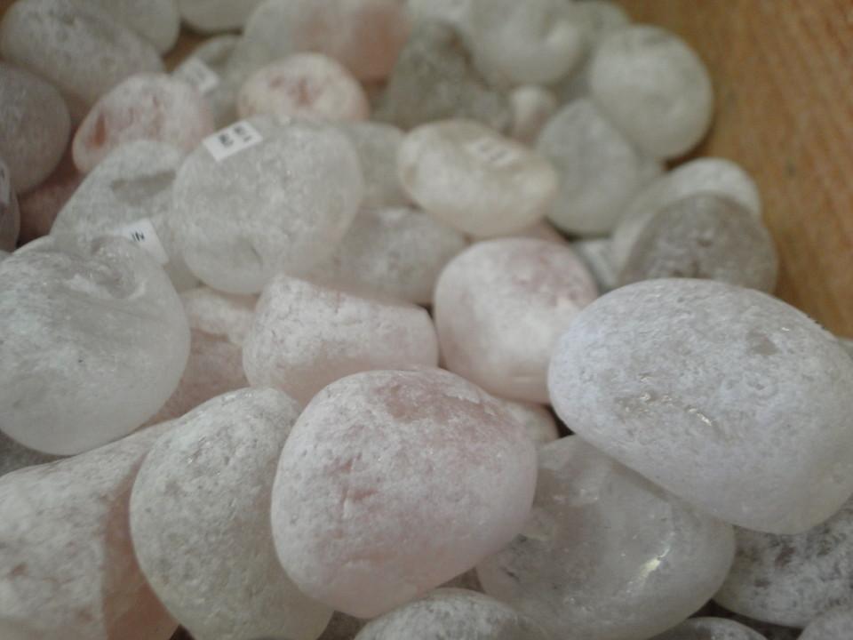 75-2apr12_3158_Howe Caverns_stone_ema eggs