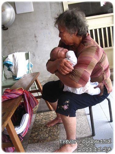 111127-老阿嬤的育嬰法