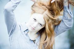 Red High Key 85mm f/1.8 portrait femme cheveux roux