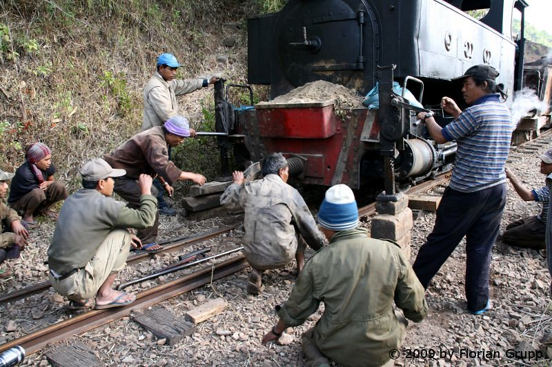 http://farm8.staticflickr.com/7136/7434474978_425811de0f_b.jpg