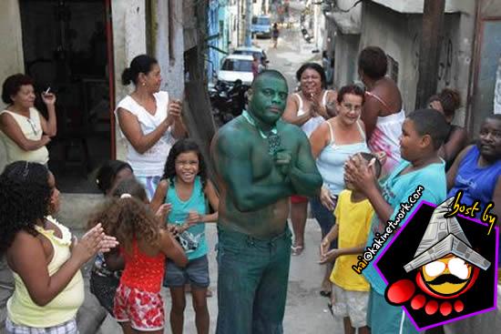 Peminat Incredible Hulk Buat Kerja Gila