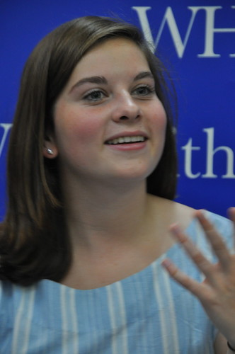 Samantha van Leer