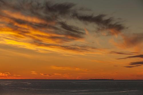 sky sun clouds iceland midnight sjór midnightsun sól ský grímsey miðnætursól ólafsfjörður næturmynd