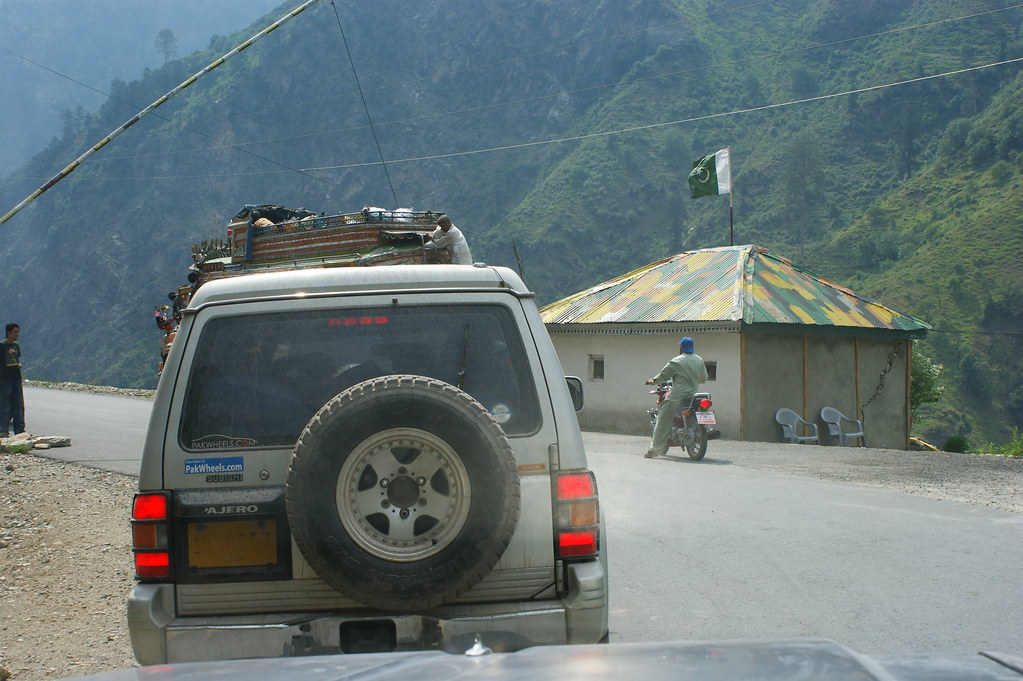 """MJC Summer 2012 Excursion to Neelum Valley with the great """"LIBRA"""" and Co - 7581989548 3be098d749 b"""